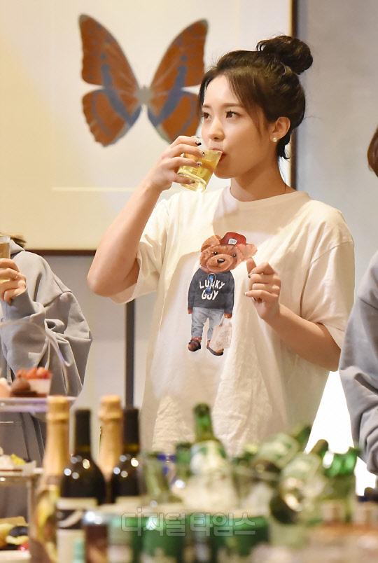 [포토]유튜러버 이다혜, 먹는 모습도 귀엽!